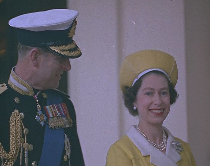 The Queen's Hats - British Pathé #queenshats