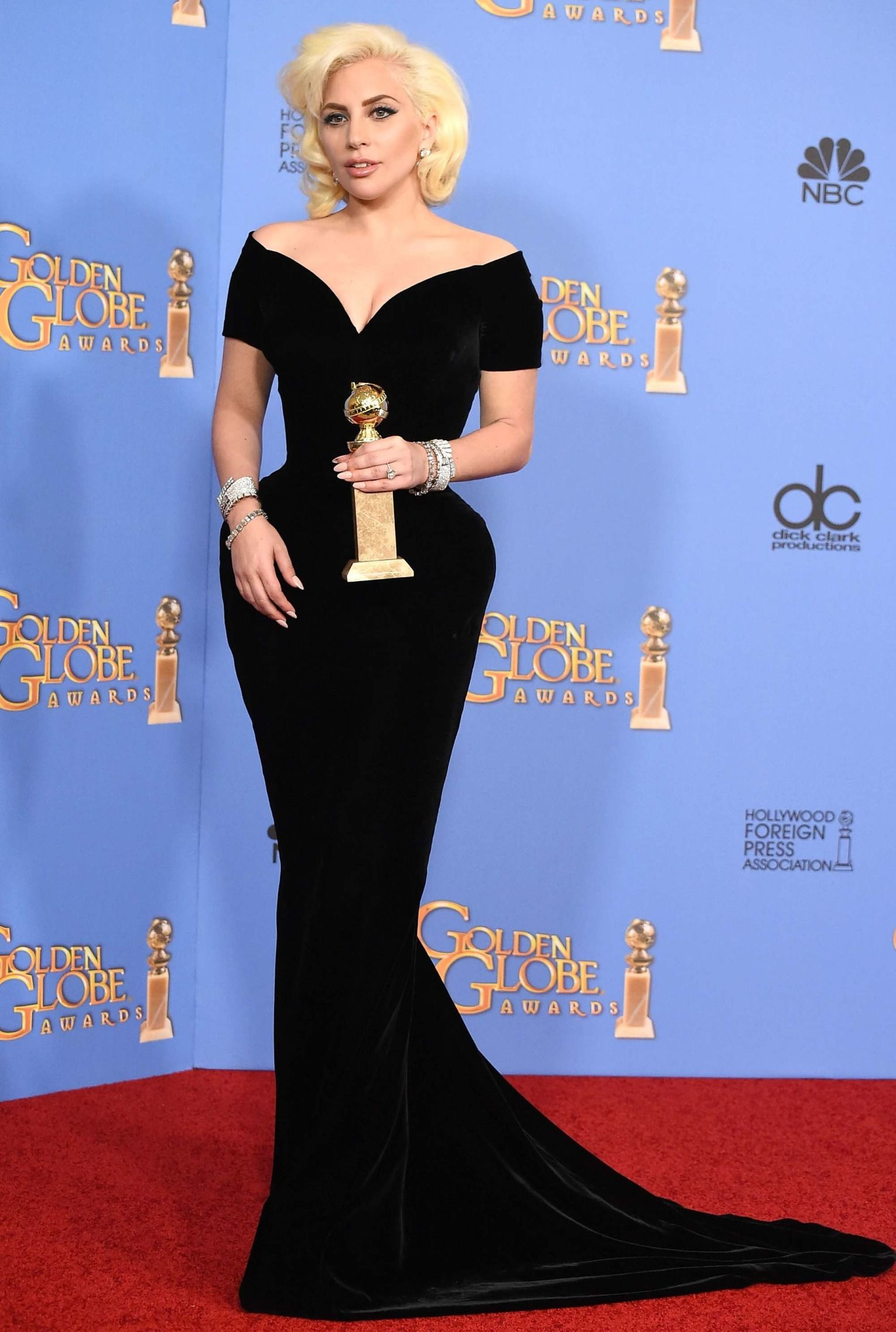 stars who pulled a major red carpet marilyn monroe moment golden