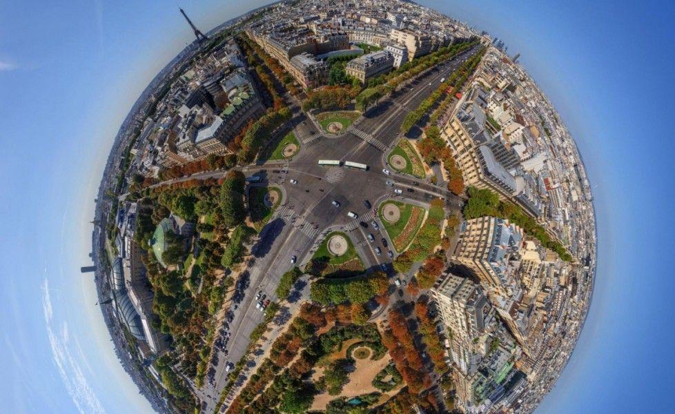 Il giro del mondo a 360 gradi - Parigi