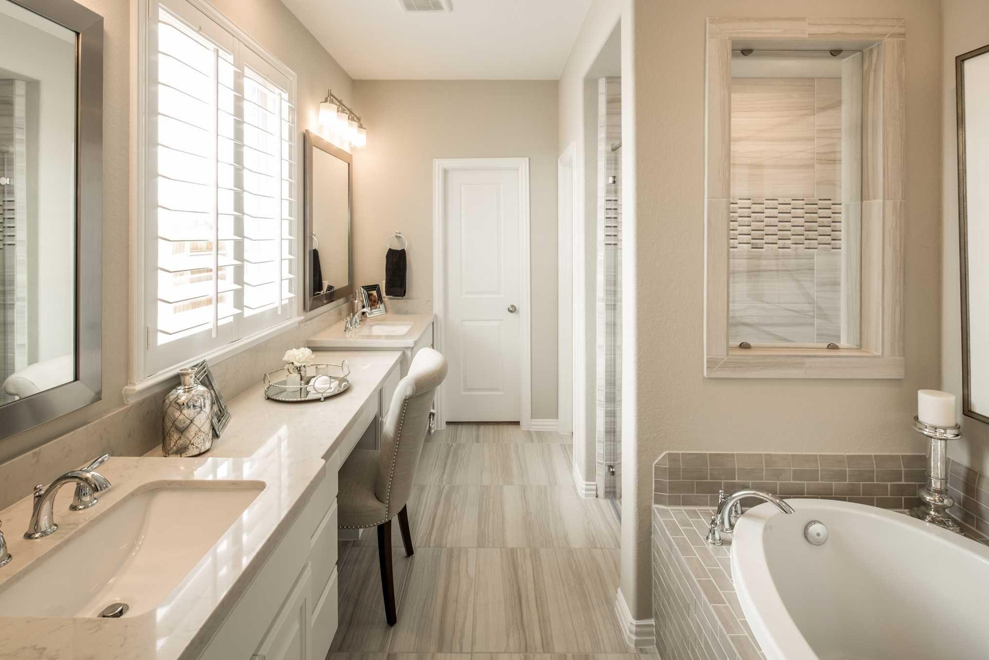 Highland Homes Plan 559h Model Home In Houston Texas Cross Creek Ranch Community Bathroomdesign Model Homes Home Home Builders