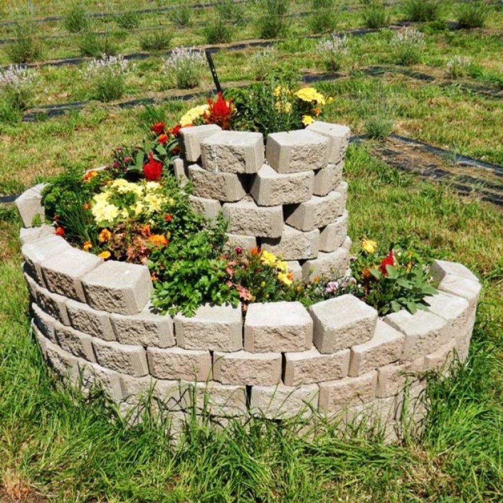 Admirable And Creative Diy Spiral Garden Decor Ideas 12 Spiral Garden Diy Garden Bed Diy Garden