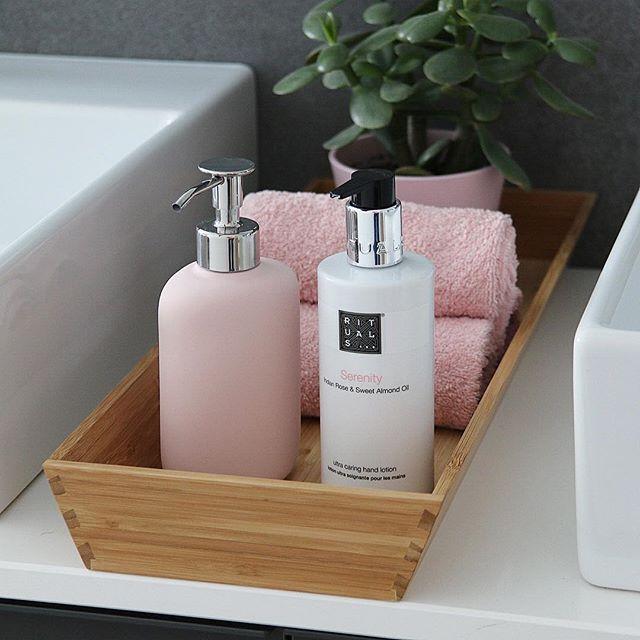 """Photo of ⓗⓞⓜⓔⓛⓘⓚⓔ on Instagram: """"ꕤ ????? ??????? ꕤ  Guten Morgen ☀️ Ich wünsch euch einen tollen Dienstag! Ich düs jetzt mal zur Arbeit ?? 〰️ #bath #bathroom #bathroomdecor…"""" – Selbermachen – DIY Ideen"""