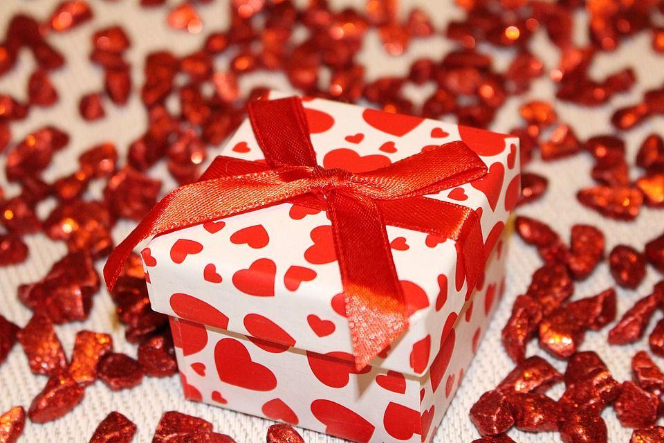 Gratis foto: Lus, Cadeau, Verpakking, Decoratie - Gratis afbeelding op Pixabay - 572859