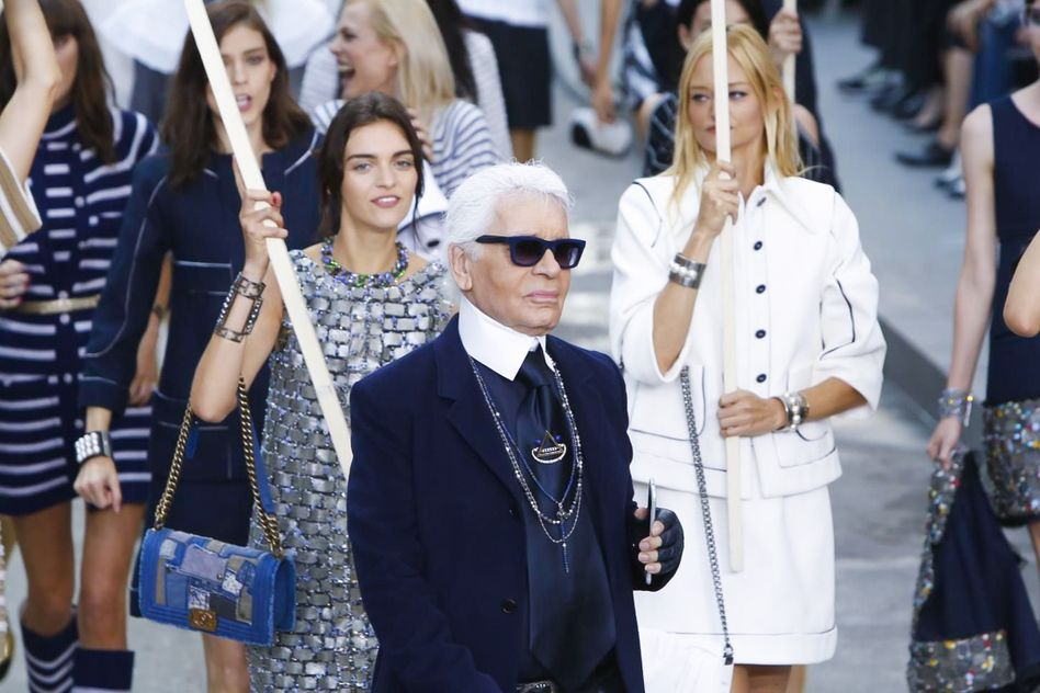 LOTS of pics of this show coming your way.  I love it. Chanel Ready To Wear Spring Summer 2015 Paris