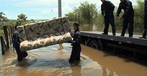 RS Notícias: Enchentes deixam 2,2 mil famílias desabrigadas no ...