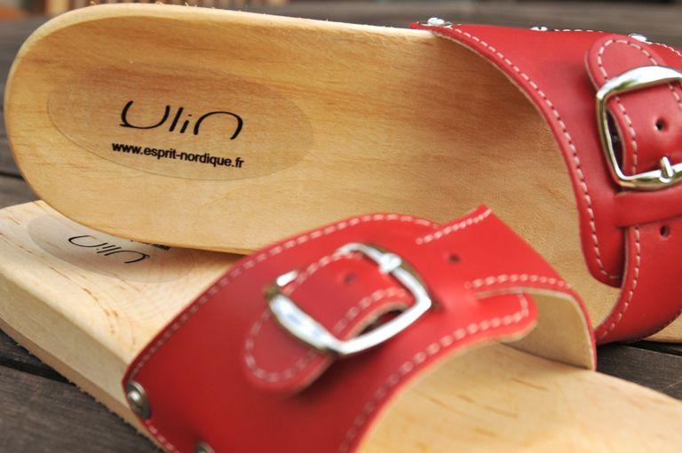 Claquettes bois et cuir   clogs   Wooden sandals, Clogs, Sandals f7634503d398
