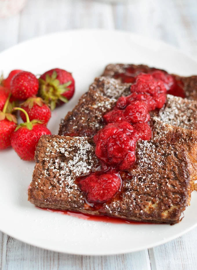 slimming eats chocolate french toast with strawberry sauce dairy free vegetarian slimming world and w in 2020 chocolate french toast slimming eats strawberry sauce pinterest