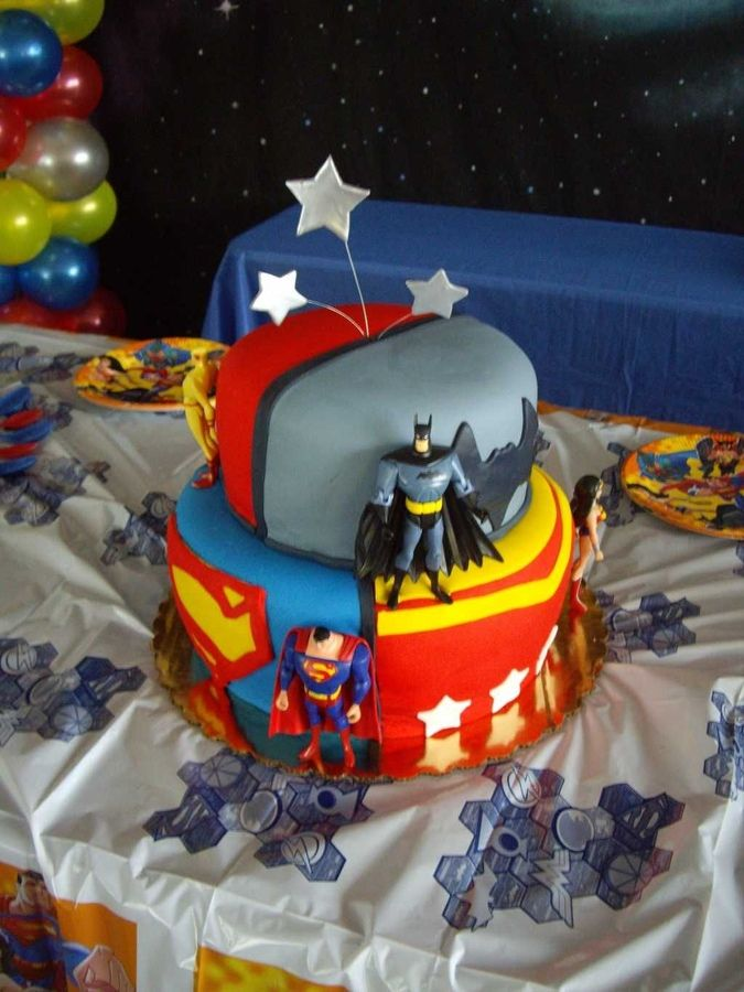 The Justice League With Images Justice League Cake Childrens