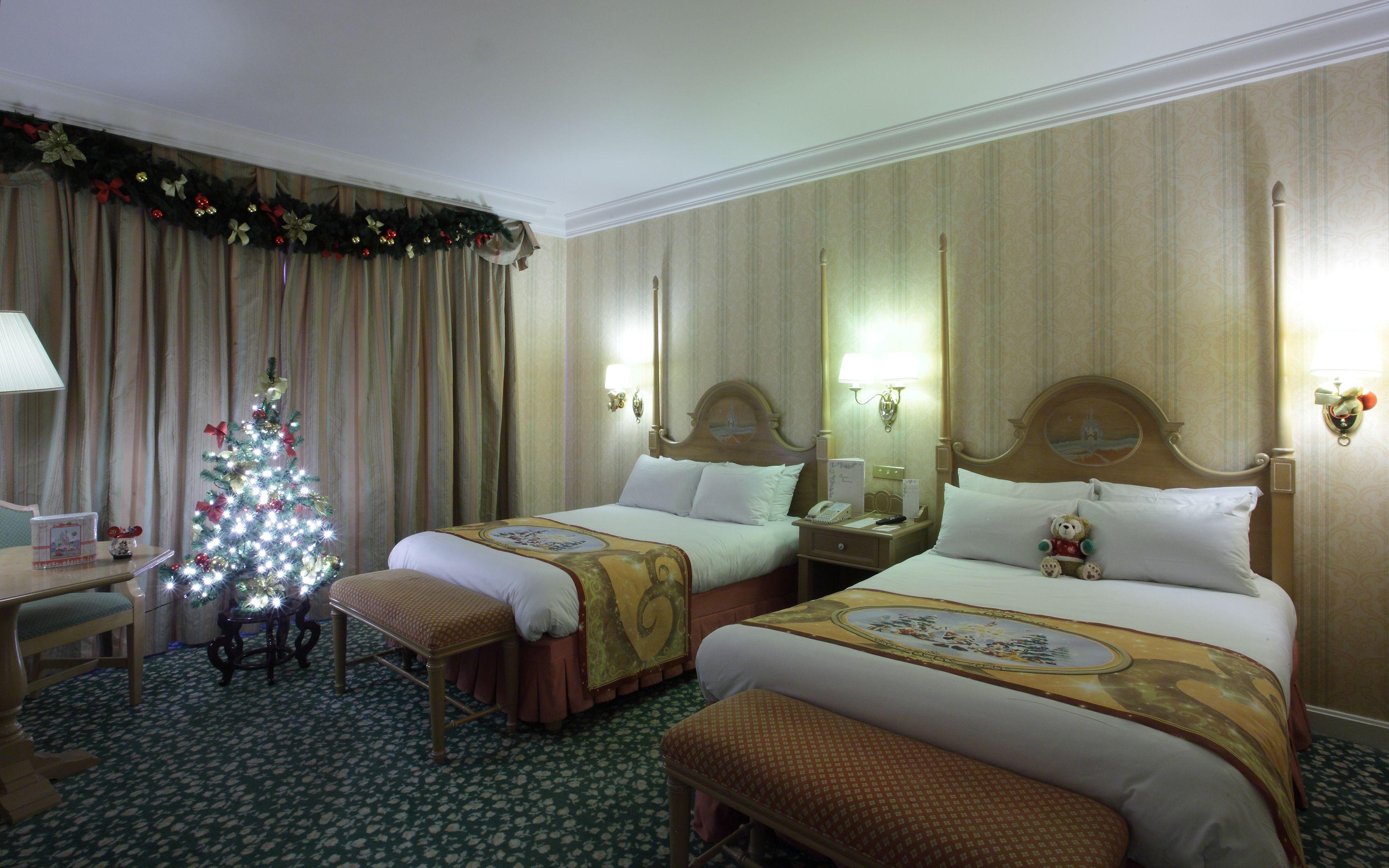 Disney Hotels Disneyland Hotel - Christmas Themed Room