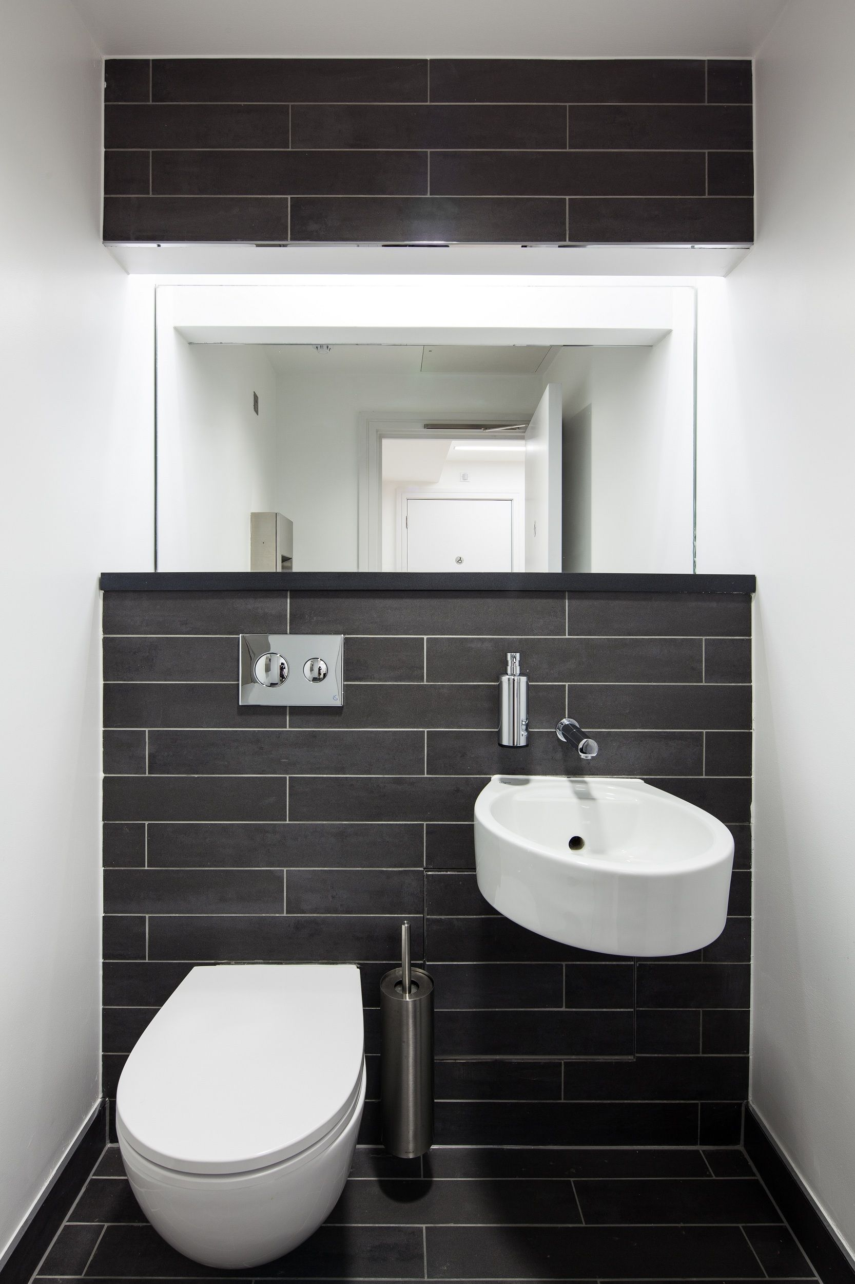 Betonverf Action Badkamer Office Restroom Slingsby Place Ecs Council Street Mood Book In