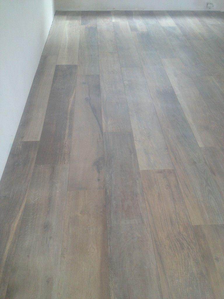 € 329,00 eettafel square is een fraaie eettafel van acacia hout ...