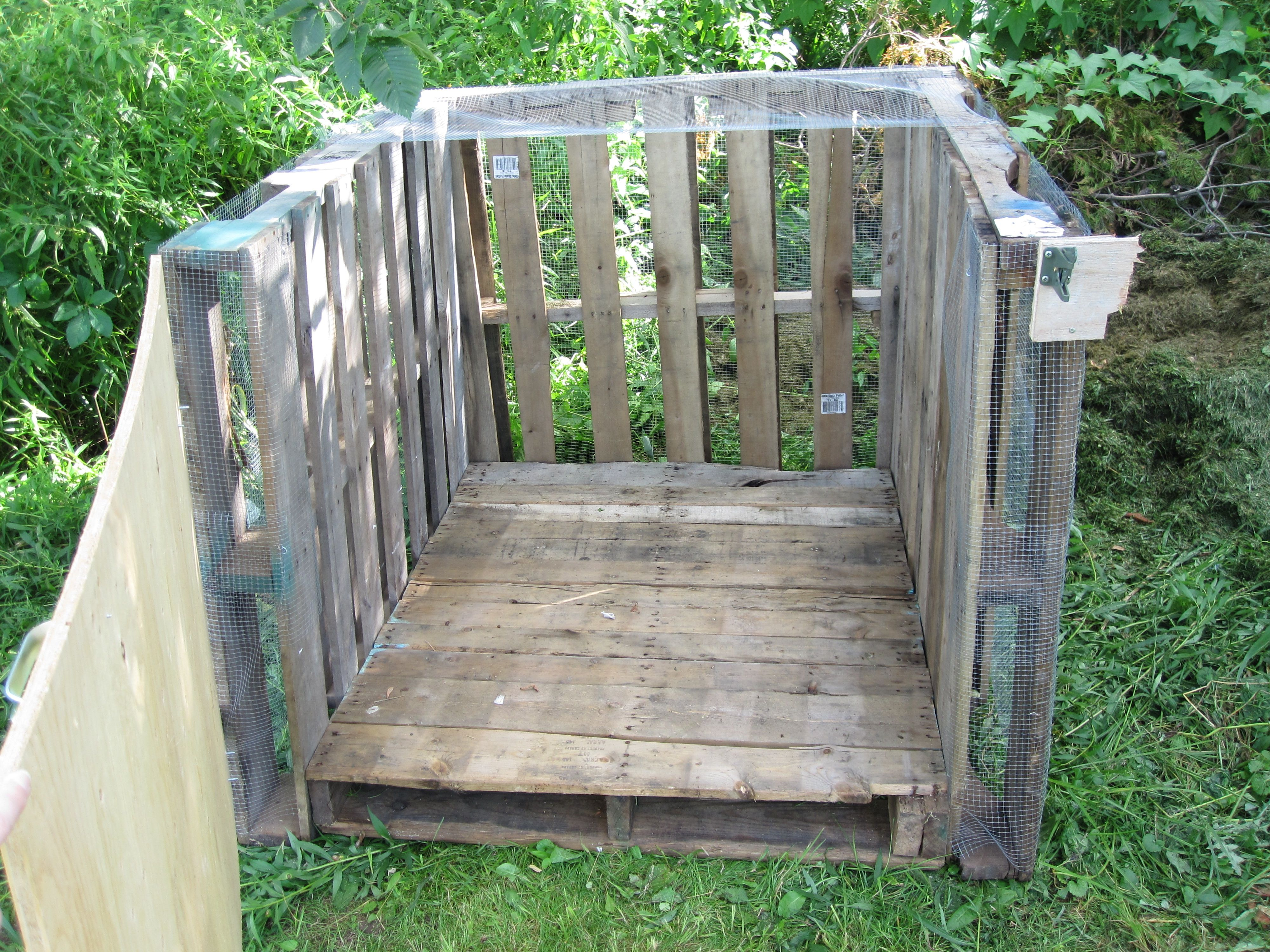 DIY pick up pallets (for free) from a big box store or