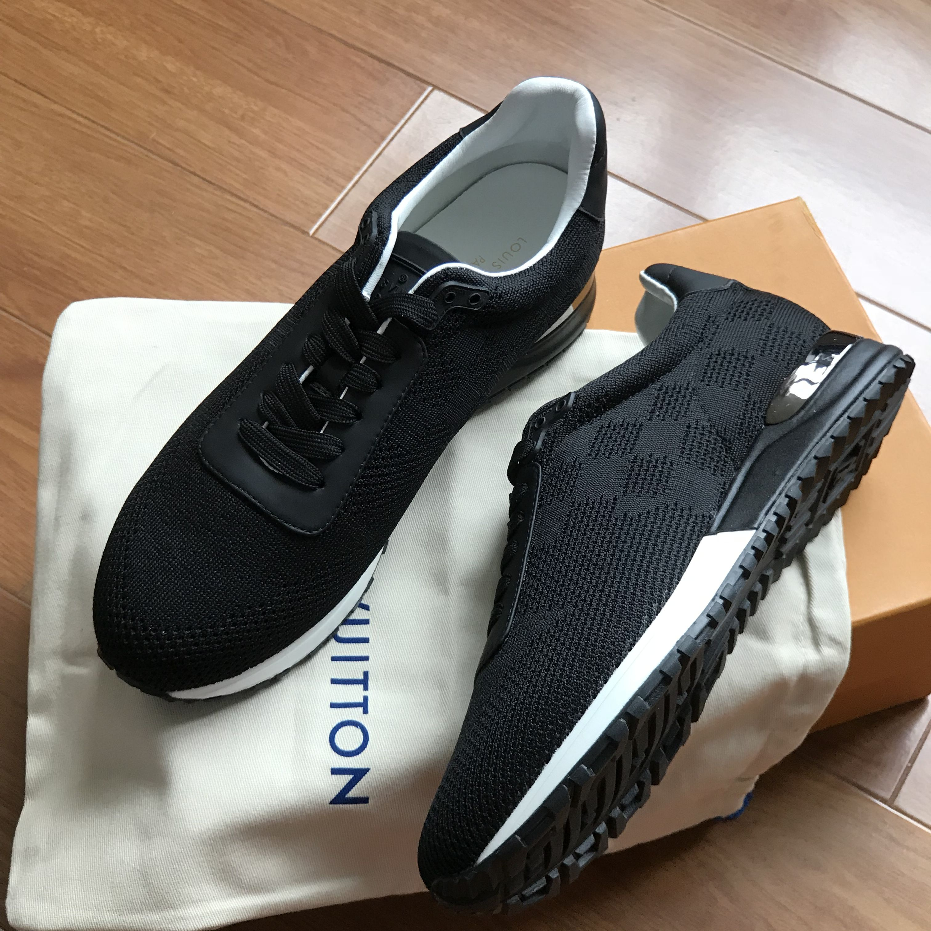 369f7bbb44f5 Louis Vuitton lv man sneakers trainers