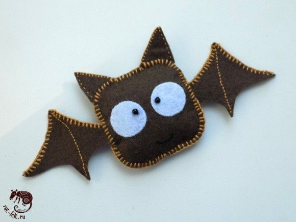 Articles made of felt for Halloween - bat