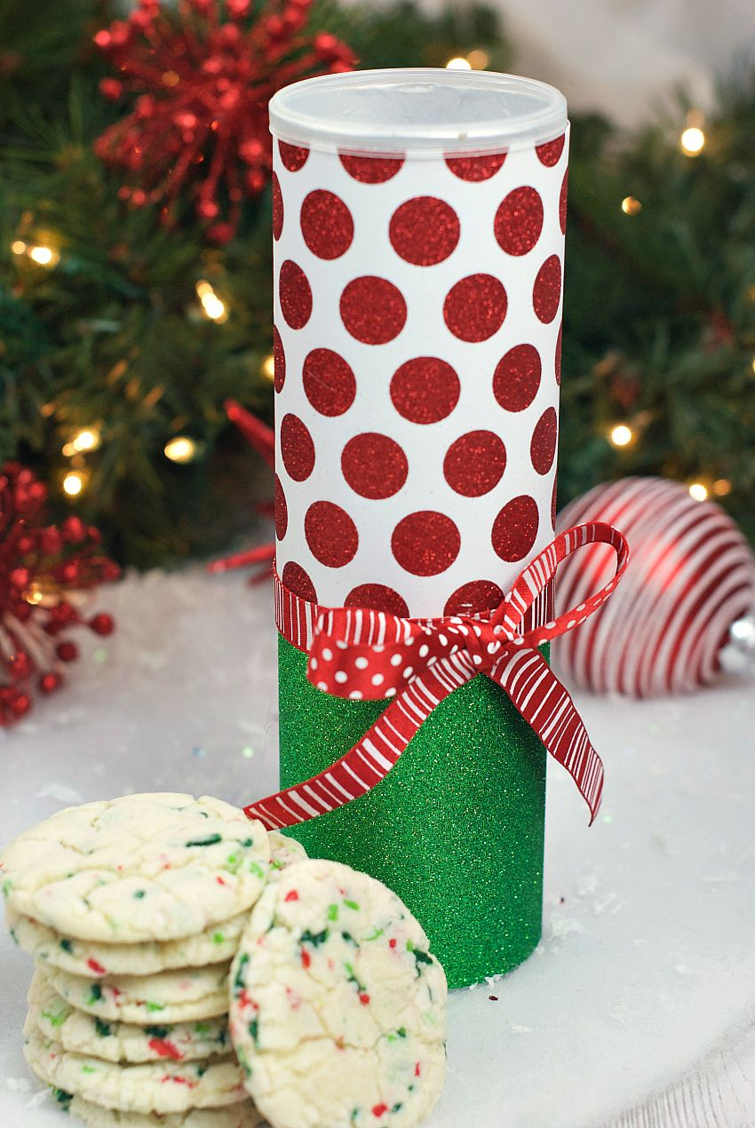 25 Fun Christmas Gifts for Friends and Neighbors | Christmas cookies ...