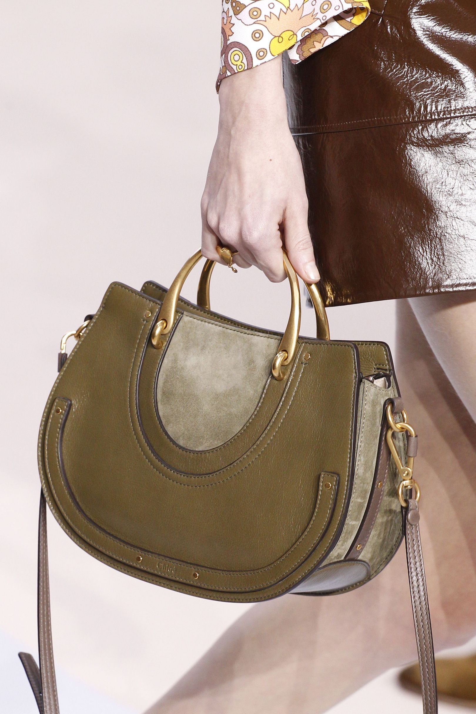 Your New Season Leather Handbag Guide advise