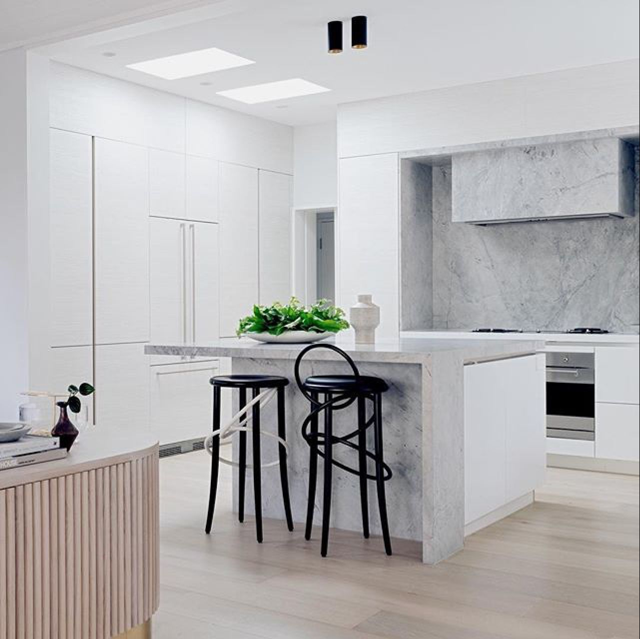 Superb Super White kitchen featured in this month\'s @reallivingmag ...