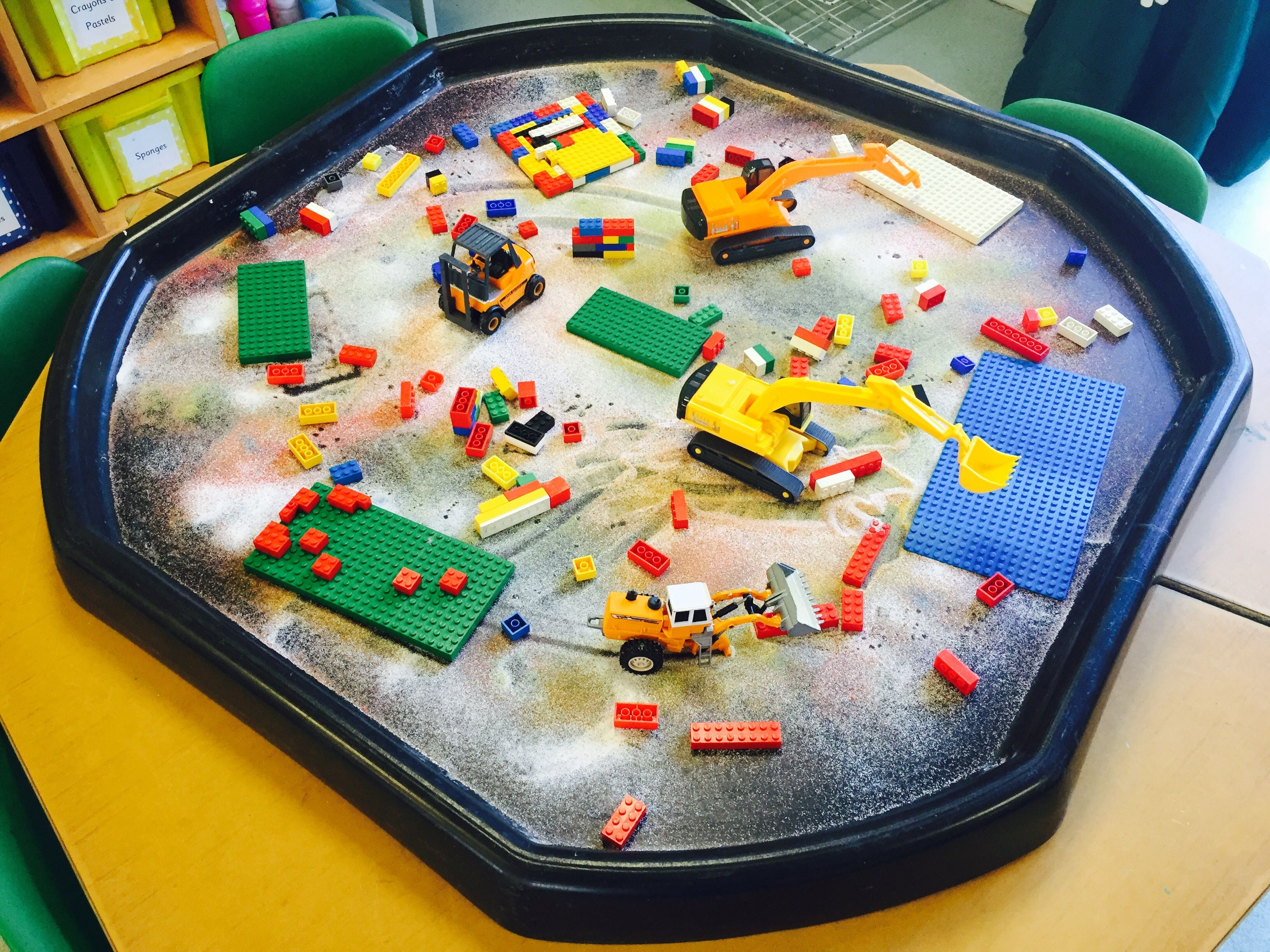 Construction Themed Tuff Tray With Coloured Sand
