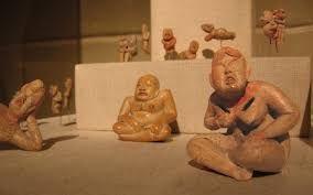 Resultado de imagen para figurine mesoamerican