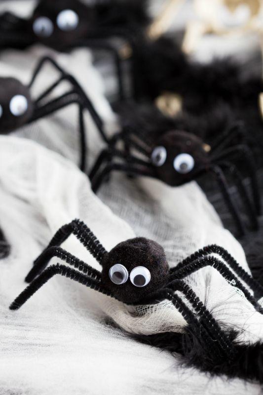 15 Fun Easy Halloween Crafts For Kids Diy Halloween Decorations Fun Easy Halloween Crafts Pom Pom Spiders