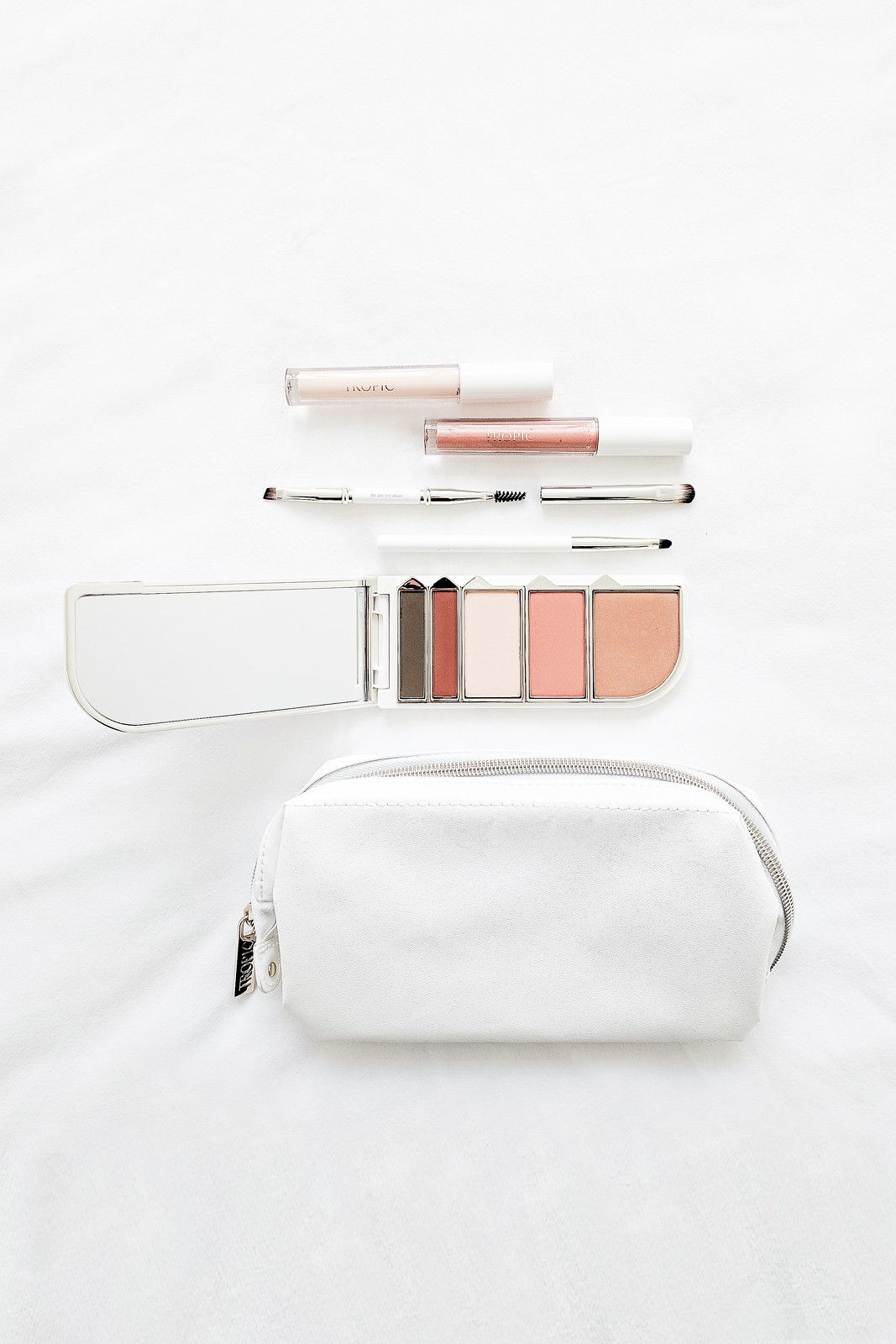Creating A Minimalist Makeup Collection Minimalist