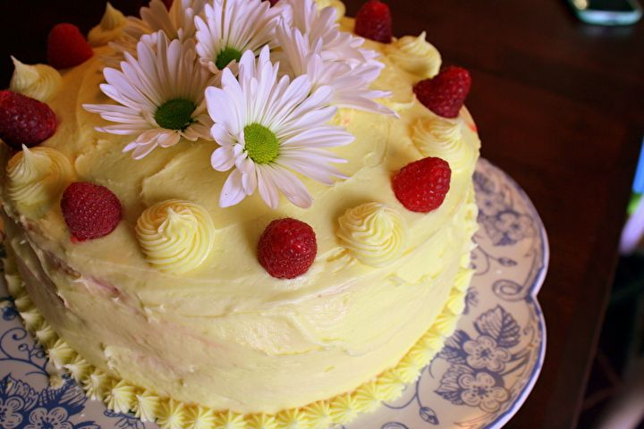 Layered Cake Recipes With Fillings: Lemon Layer Cake With Raspberry Filling