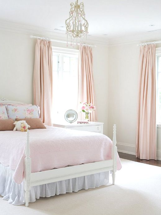 Chambre à coucher  Bedroom  Blanc  White  Rose  Pink