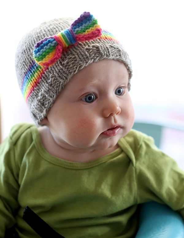 Free Pattern Adorable Knit Rainbow Baby Hat That Bow Pinterest