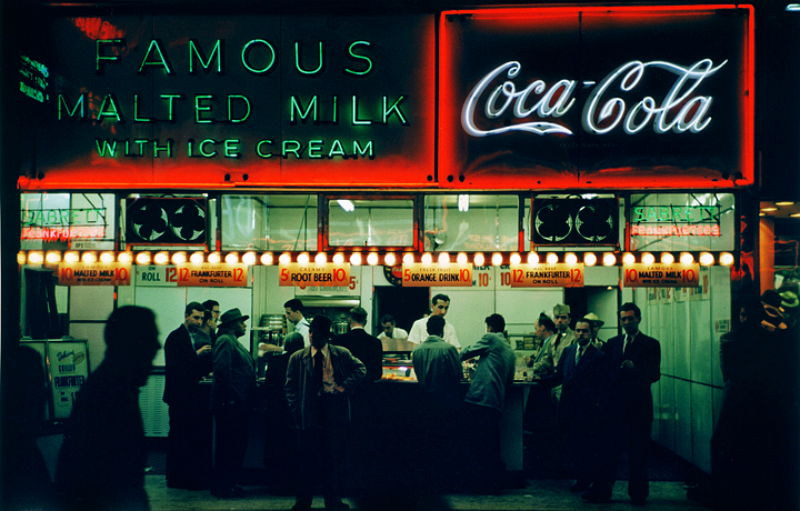 vintagegal:  NYC color photography of Ruth Orkin c. 1950s (via)