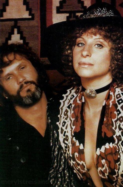 Barbra Streisand Kris Kristofferson On The Set Of A Star Is Born Girl Humor Barbra Streisand A Star Is Born
