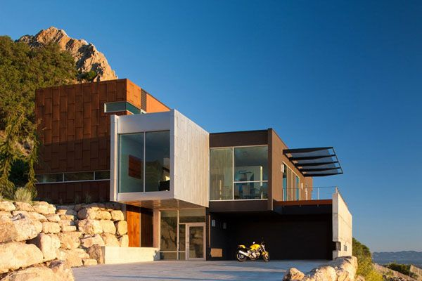 The H-House by Axis Architects, is a modern residence located high on Salt  Lake City's East Bench on Devonshire.