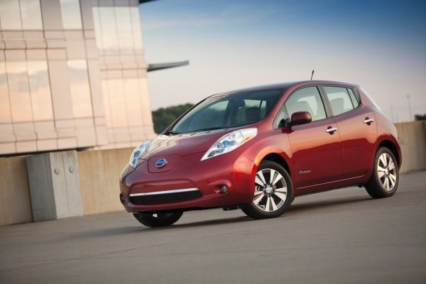 nissan free charging for leaf buyers news rh pinterest at
