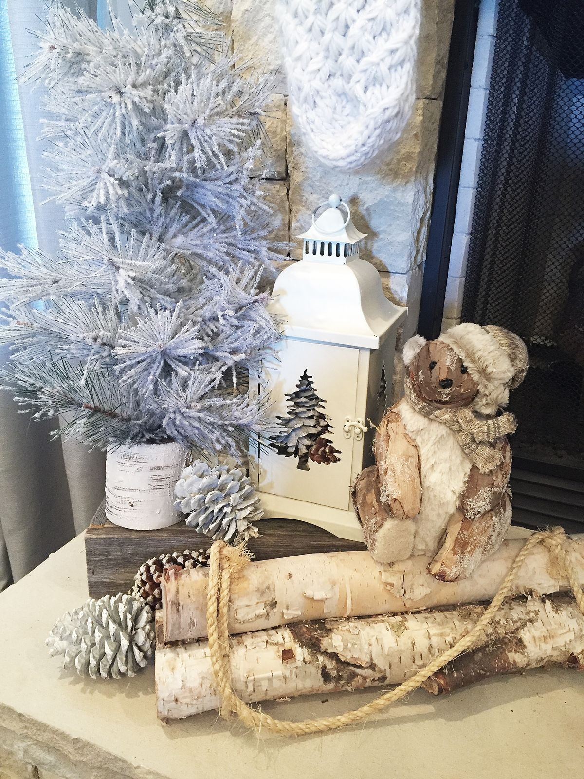 Affordable Rustic Christmas Decorations LOVE the farmhouse