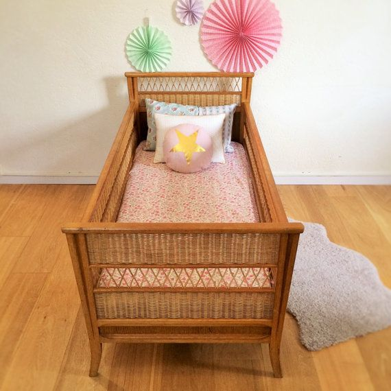 Baby Bed Chid Bed Cradle Mid Century Modern Vinatage Wood And