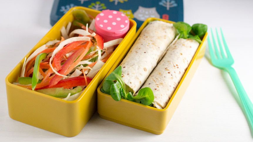 Yum-Yum Bento Box: Fresh Recipes for Adorable Lunches [Maki Ogawa, Crystal Watanabe] on believed-entrepreneur.ml *FREE* shipping on qualifying offers. This book makes creating colorful, cute, and tasty Japanese-style lunches easy and fun! Learn how to craft your favorite foods into a variety of shapes—from caterpillars.