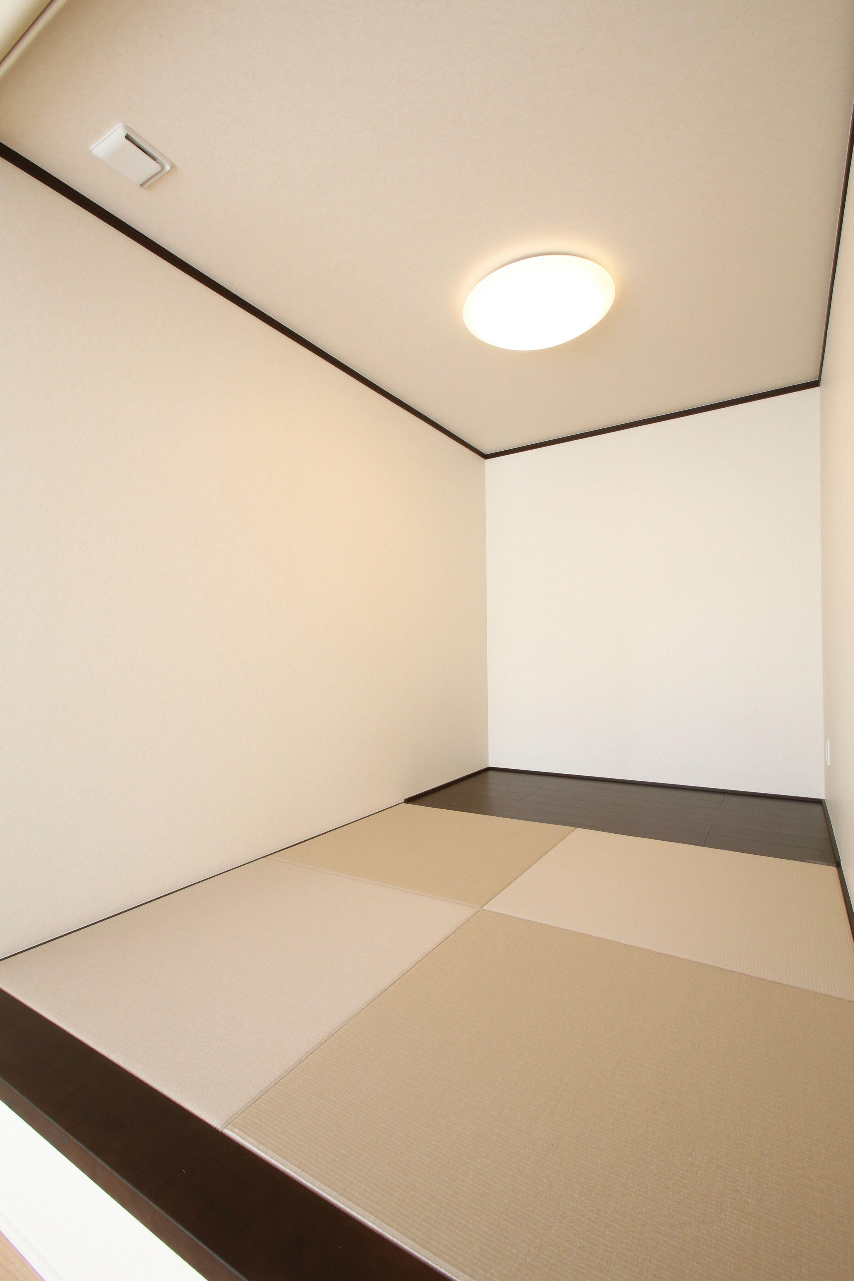 建築実例 小上がり畳 畳コーナー 縁無し 畳 ベージュ ブラウン