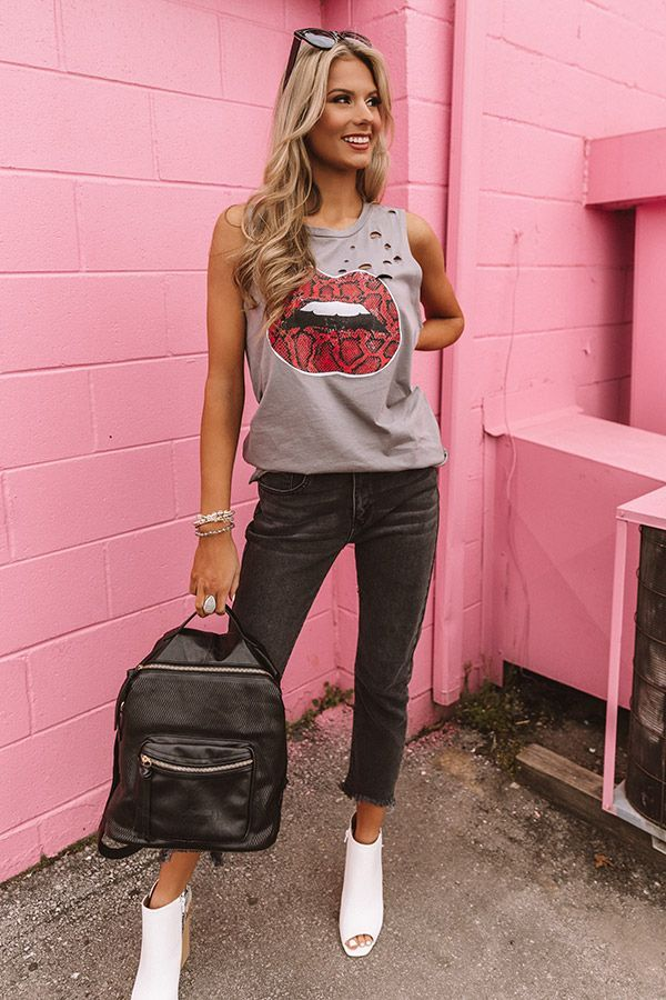 Snake Print Lips Distressed Boyfriend Tank - #boyfriend #Distressed #Lips #print #snake #Tank