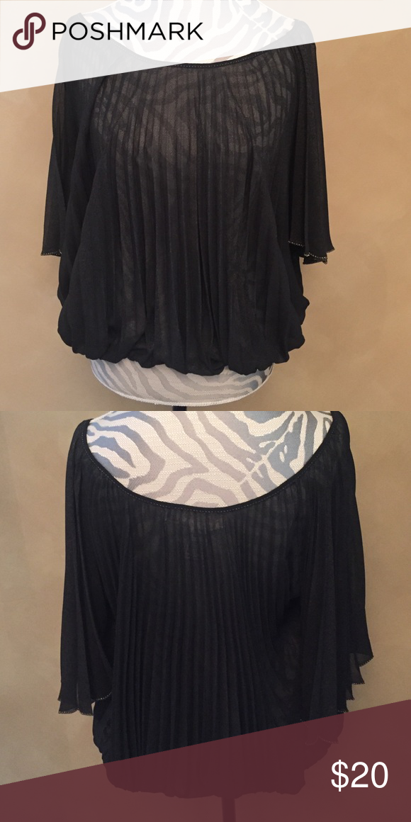 5ec77769dba31 🎈Max Studio-M pleated blouse🎈 Max Studio. Black. 100 polyester. Great  wash n wear. Probably worn 5 times at most. Non smoking home. Max Studio  Tops ...