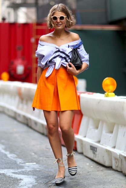 Claire Beermann mit Do-it-yourself Carmenbluse in New York