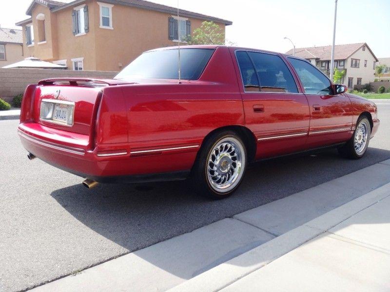 1997 Cadillac DeVille Concours 2/2