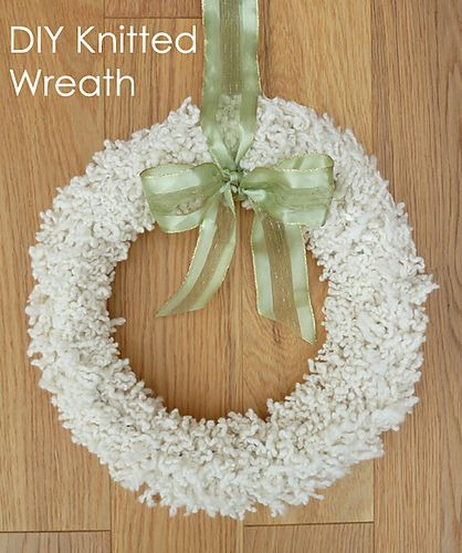 Ravelry Serendipitous Knitted Fur Christmas Wreath Pattern By Kitty