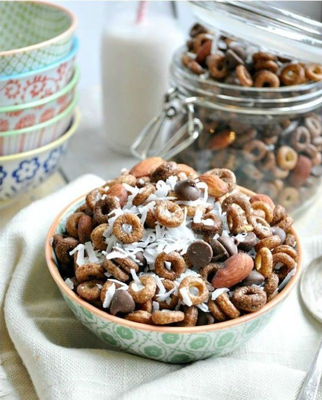 14 Super Bowl Snack Mix Recipes to Win Game Day