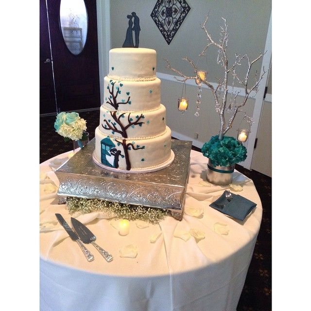 We Love When Our Vendors Work Together To Create A Couple