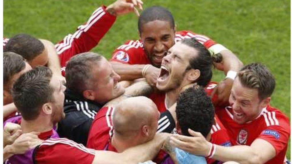 Cymru 2 1 Slofacia Chwaraeon Sport Gareth Bale Wales Football England Fans
