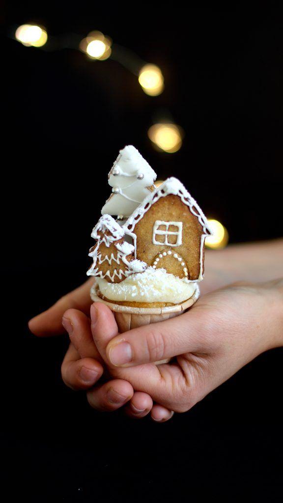 Sara Cucina Biscotti Di Natale.Winter Village Cupcakes In Cucina Con Giada E Sara Christmas