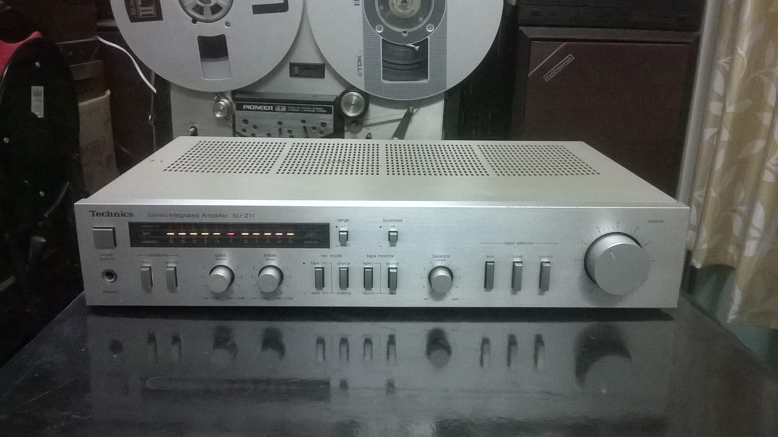 Technics SU-Z11 Stereo Integrated Amplifier (1982) Technics