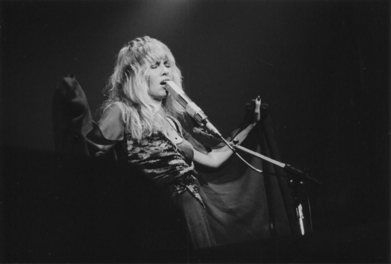 In Your Dreams Fleetwood Mac Live At The Coliseum In Cleveland Stevie Nicks Stevie Nicks Fleetwood Mac Stevie [ 866 x 1280 Pixel ]