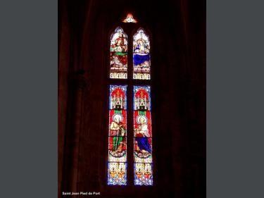 San Juan de Pie de Puerto: vitral de la iglesia (© JE) - France-Voyage.com
