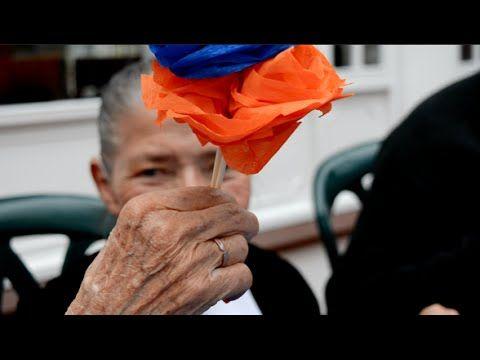 Fiesta de final de año para abuelos abandonados Mubrick. https://www.youtube.com/watch?v=hRaPCf1cKQI