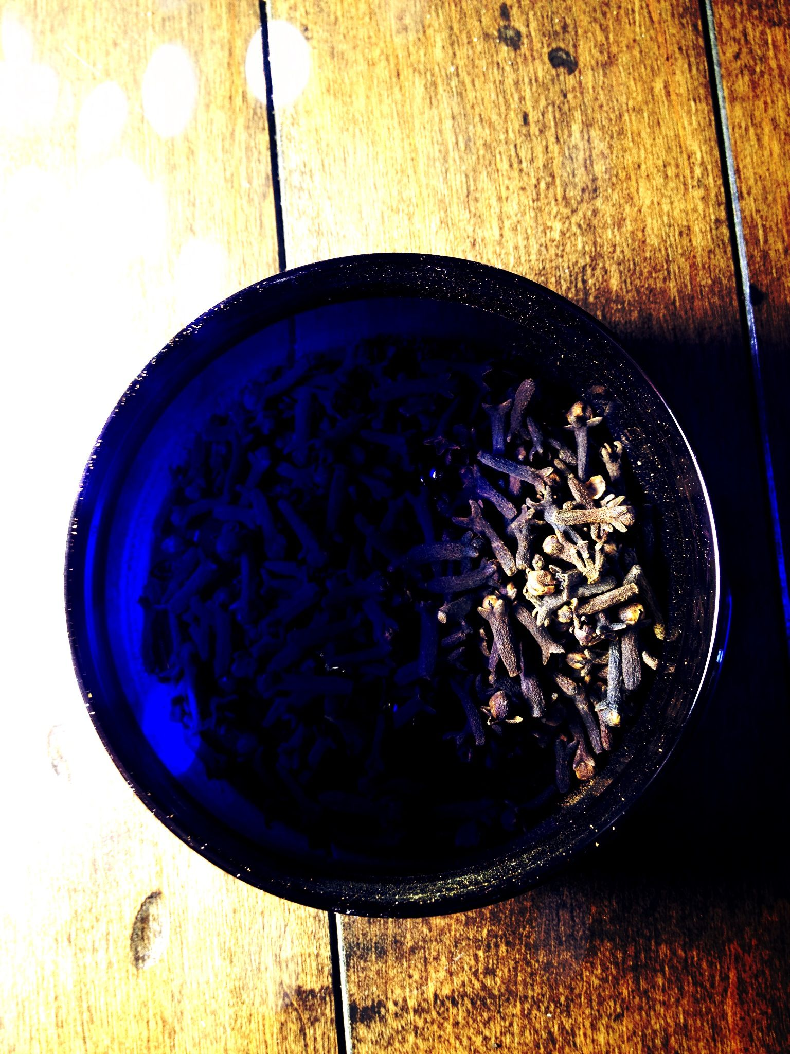 Cloves: Used in magick to attract good luck and prosperity, to keep